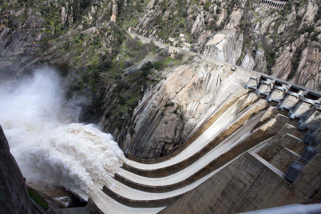 energia hidroelectrica para el comercio